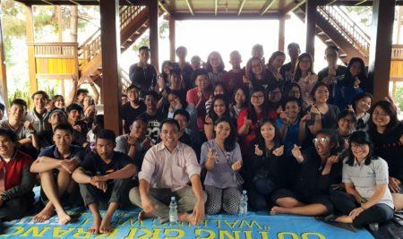 Into The Light Indonesia Berbagi di Talkshow GKI Summercamp University