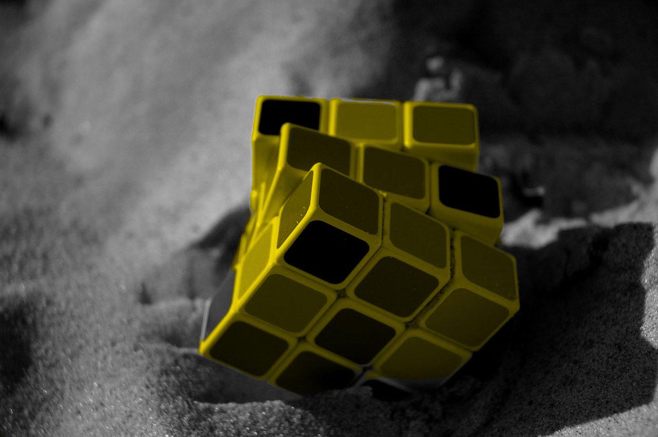 rubik-cube-1703600_1280
